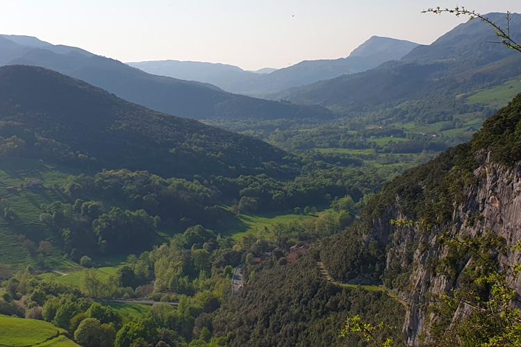 Escapada a Valle de Baztan Lobos y Caperucitas